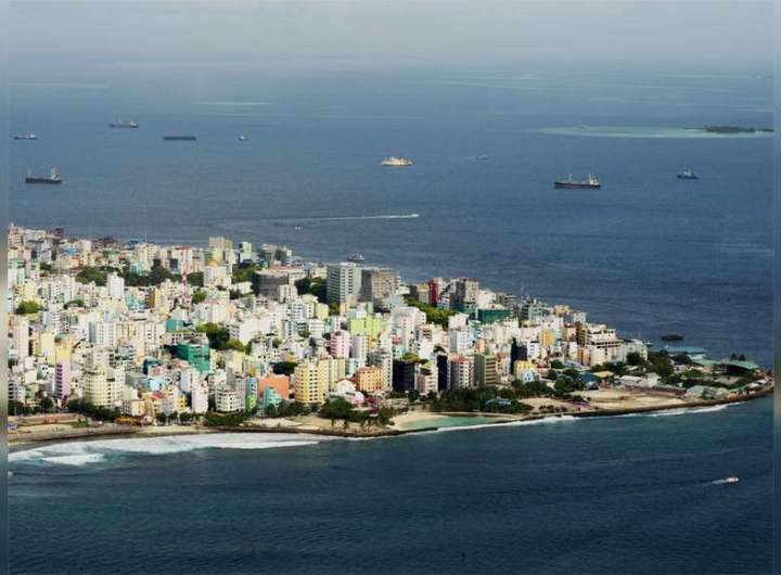 Covid-19: Maldives tightens curfew, bans India tourists