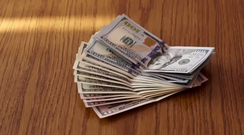 مصرف سوريا المركزي يحذر من الدولارات المزورة