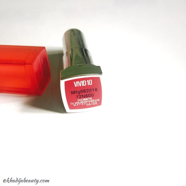 maybelline-vivid-matte-colorsensational-lipstick-vivid-10-review-khadija-beauty-7
