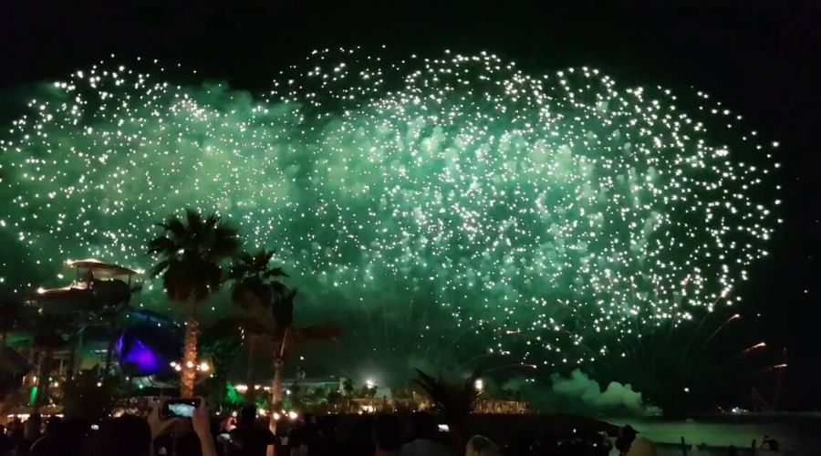 la mer fireworks 2020 new year