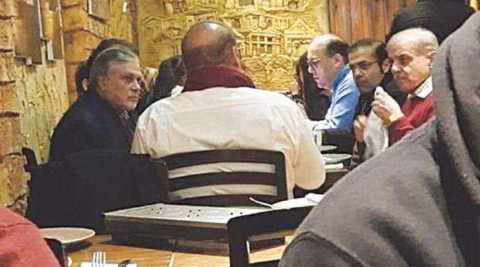 Nawaz Sharif's Picture at London Restaurant gets Viral on Internet