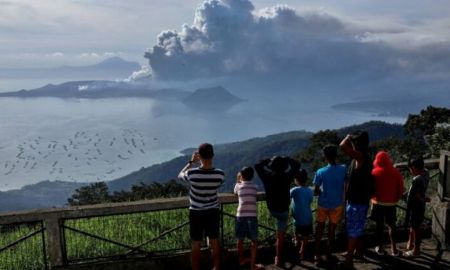 Philippines warns of 'explosive eruption' after Taal Volcano