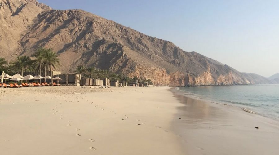 Oman suspends visa issue, advice travellers to leave country