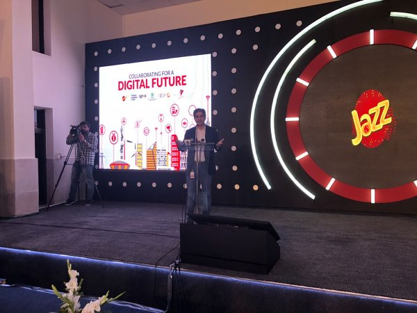 CEO Jazz Aamir Ibrahim giving his keynote emphasizing on the digital revolution