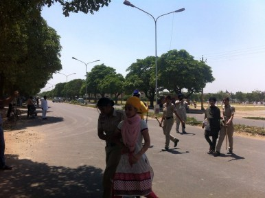 sikh women arreted by police