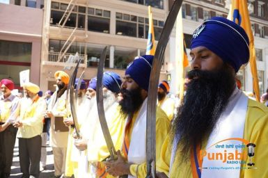 Pictures & Videos London - Thousands of Sikhs march to remember Amritsar temple attack (19)