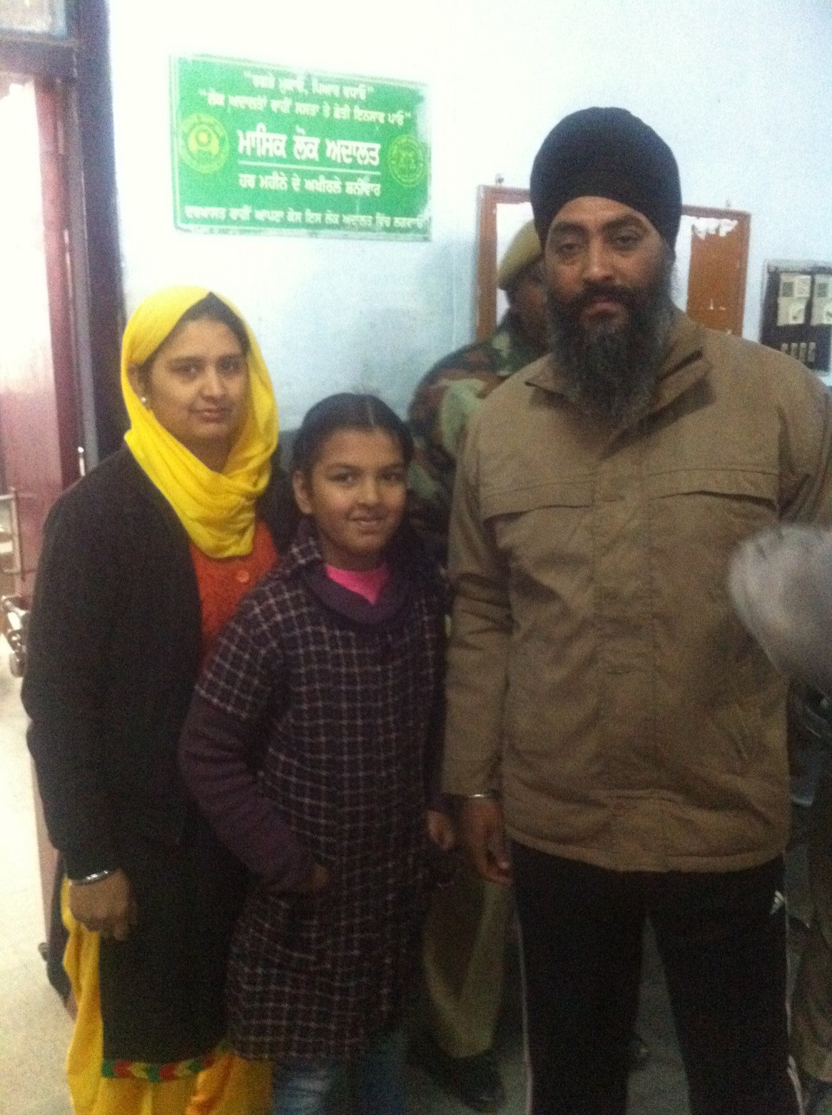 Harminder-Singh-with-his-wife-Rajwinder-Kaur-and-Daughter-Sidak-kaur