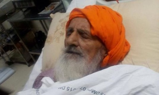 Latest photo of Bapu Surat Singh Ji Khalsa from DMC Hospital.