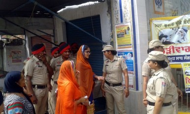 Police Desists Sikhs Holding March Planned from Ajnala to Akal Takht in Support of Bapu Surat Singh Khalsa 2