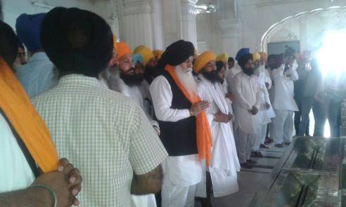 Pics from todays protest at Akaal Takhat Sahib from Dal Khalsa Panch Pardhani against the pardon given to sauda sadh (1)