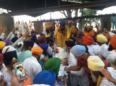 At the funeral of martyr Gurjit Singh Bhai pathaprita Singh are accessible, reaching unham uparata will be cremated. 2