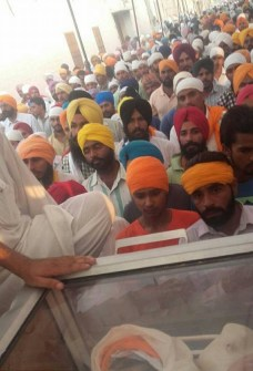Khalsa Seva Singhs have reached the funeral of bhai Gurjeet Singh ji. Parnaam shaheeda nu3