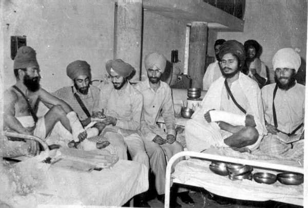 Gurbachan Singh Manochal jee recovering in Hospital. Sitting second from right.