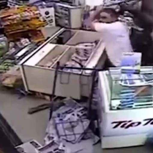 Father and Son Store Owners Fight off Robbers | One of them with an Old Hockey Stick!