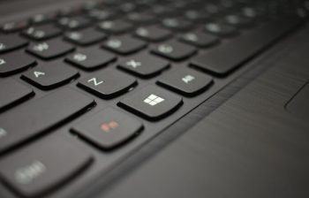 Cara memperbaiki keyboard laptop yang error