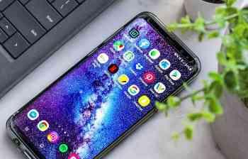 Cara memindahkan aplikasi dari handphone ke laptop
