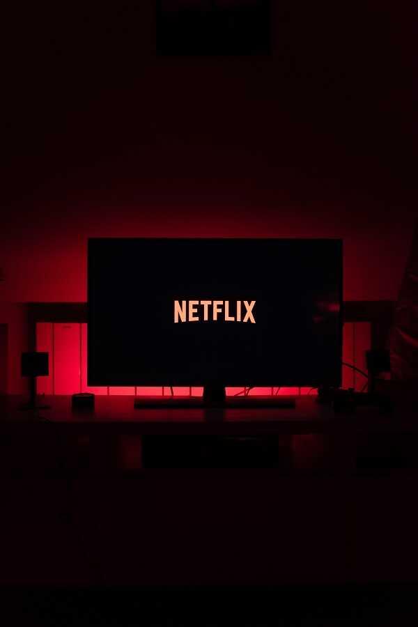 cara menonton netflix di tv yang bukan smart tv