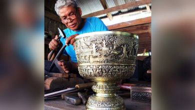 Photo of Khmer metal engraving artist wins recognition after decades