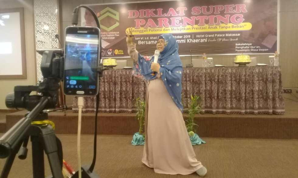 Kegiatan Diklat Super Parenting Khoiru Ummah Makassar