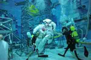 ScubaDiving_Astronauts-1024x682
