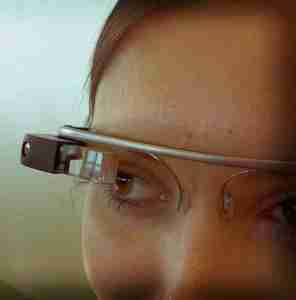 Woman-looking-at-Google-Glass