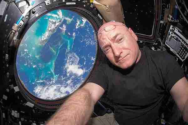hayat_dersi-scott_kelly-mark_kelly-nasa-astronot