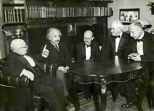 Max-Planck-ve-Einstein