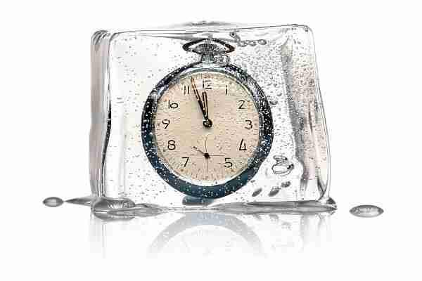 Zamanın-akışı-yavaşlıyor-mu-ve-bir-gün-duracak-mı?