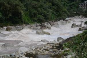 Vilcantona river (flow eventually to the Amazon)