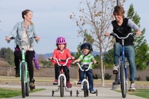 A family with 2 children riding KHS and Free Agent Bikes together