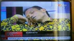 sumanto ketiduran di acara talkshow tv one 21 maret 2016 (2)