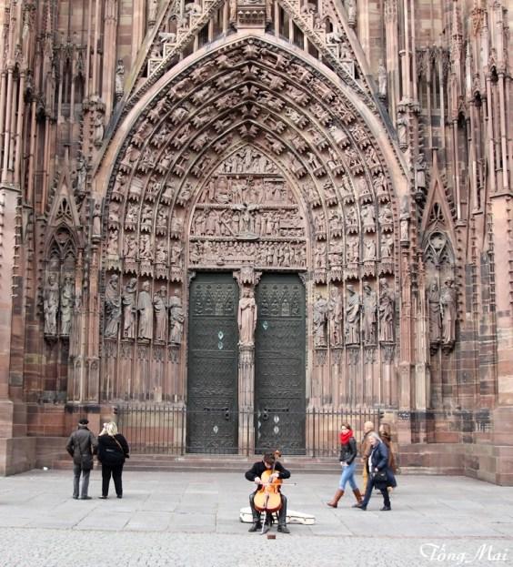 Notre-Dame cathedrale de Strasbourg. Photo: TốngMai