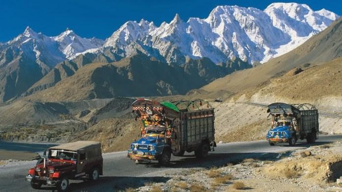01 Karakoram Highway