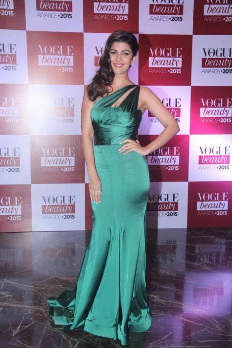 nimrat-kaur-attends-vogue-beauty-awards-2015