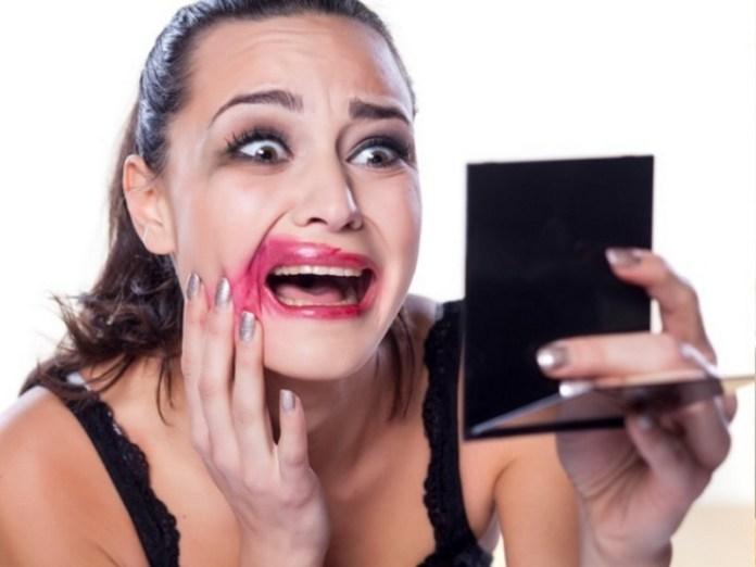 make-up-crying-woman-khurki.net
