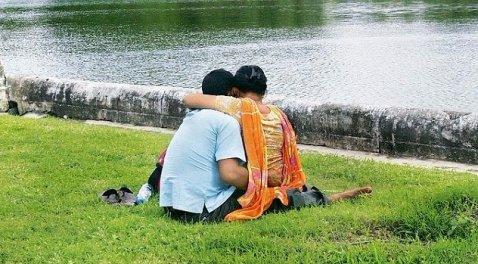 Indian Couples3-Khurki.net