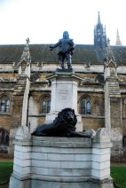 Westminister - Exterior - Statue