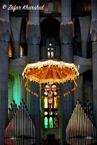 The altar at the Basilica de Sagrada Familia