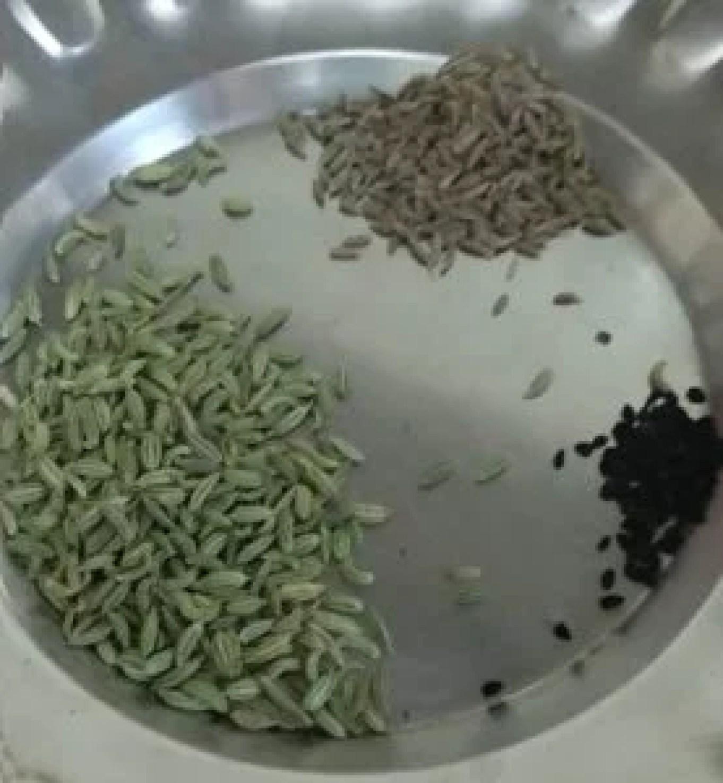 कच्चे आम की खट्टी मीठी लौंजी रेसिपी | Mango Launji Recipe