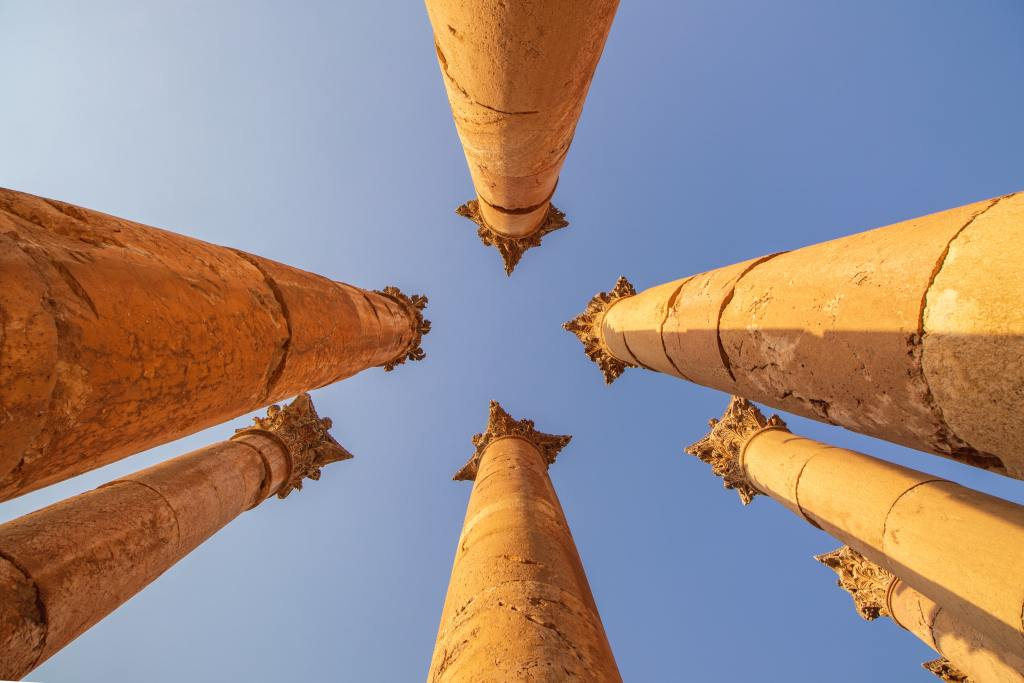 ruins of Jerash, a must visit according to my guide to jordan