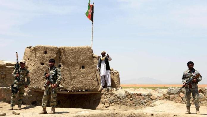 افغانستان کښې د طالبانو حملې کښې اوولس اهلکار پحق رسيدلى
