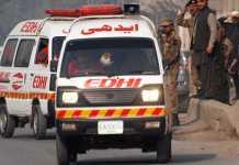 بلوچستان کښې د ويکګن او ټرک تر مينځ حادثه کښې اووه کسان مړه شوي
