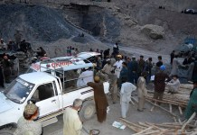 بلوچستان دکى کښې کوئلې په درنګ کښې ګيس لوجې درې کان کنان پحق رسيدلى