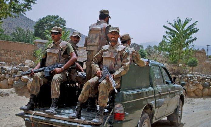 بلوچستان کښې ددهشتګردو بريد کښې څلور ايف سې اهلکار شهيدان شوې