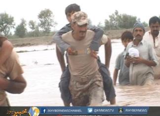 ڈی آئی خان، پاک فوج کی جانب سے سیلاب متاثرین میں امداد تقسیم