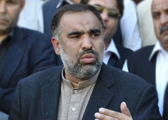 Kumar oath issue: Asad Qaiser appears in PHC, submits reply