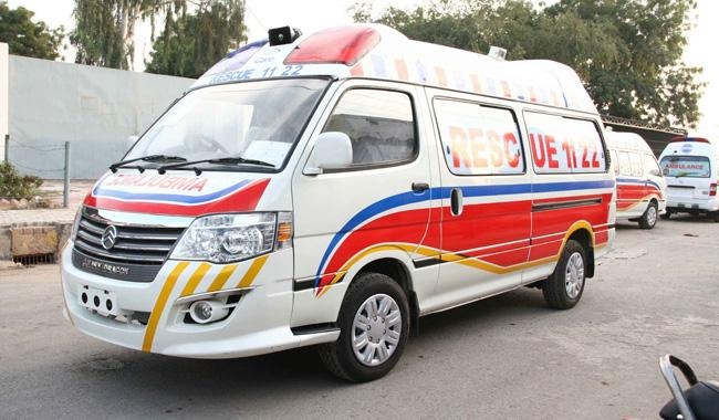 15 people injured in road accident near Rajanpur