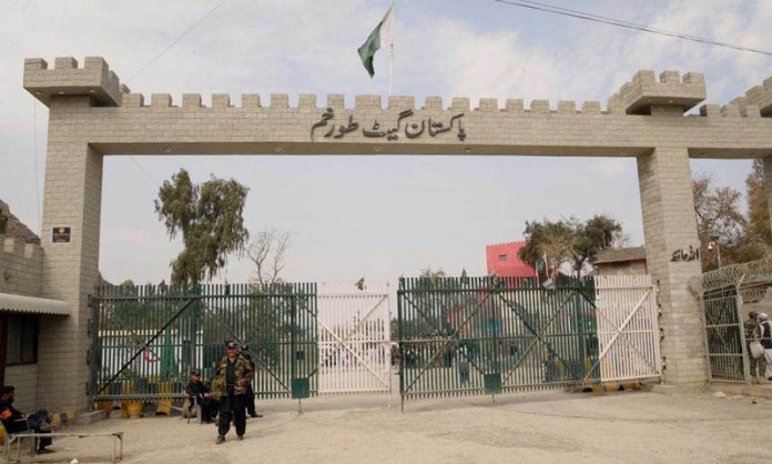 305 stranded Pakistanis in Afghanistan return via Torkham Border