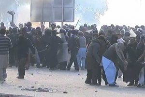 Police crackdown against Faizabad protesters sit-in