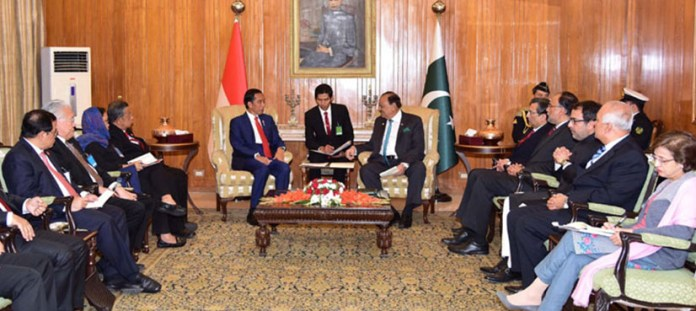 Pakistan, Indonesia agree to boost defence, trade ties